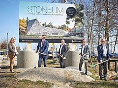 … in St. Martin eine Naturstein-Erlebniswelt gebaut wird?